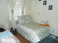 Main Bedroom - 20 square meters of property in Pretoria Gardens