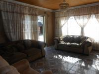 Lounges - 20 square meters of property in Alberton