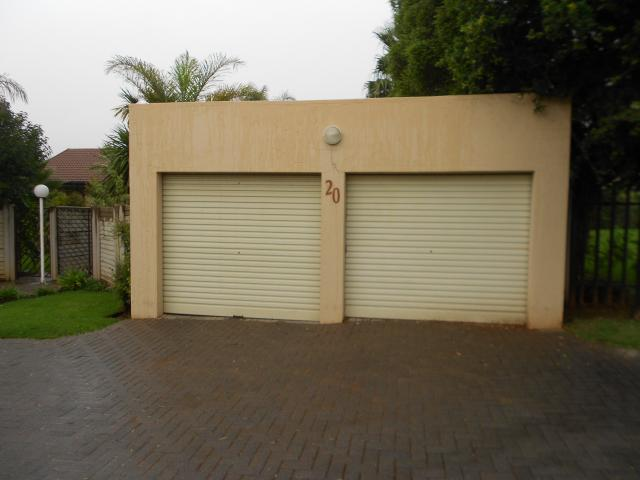 2 Bedroom Apartment for Sale For Sale in Kempton Park - Private Sale - MR107543