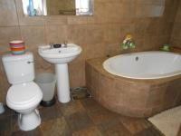 Main Bathroom - 7 square meters of property in Primrose Hill