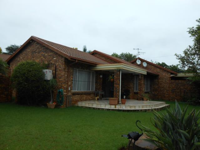 2 Bedroom Duet for Sale For Sale in Newlands - Private Sale - MR107561