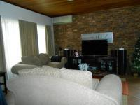 Lounges - 39 square meters of property in Newlands