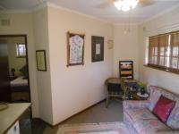 Lounges - 42 square meters of property in Amanzimtoti