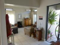 Lounges - 21 square meters of property in Somerset West