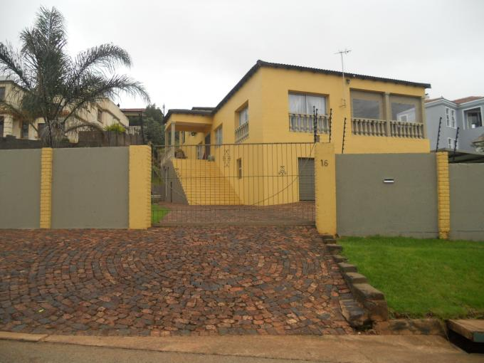 4 Bedroom House for Sale For Sale in Krugersdorp - Home Sell - MR107675