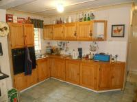 Kitchen - 14 square meters of property in Magaliesburg
