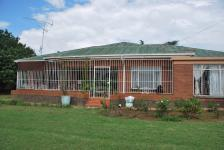 Front View of property in Vredefort