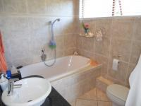Bathroom 1 - 5 square meters of property in Umkomaas