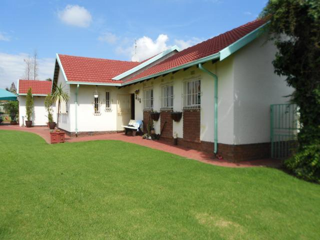 3 Bedroom House for Sale For Sale in Kempton Park - Private Sale - MR107780
