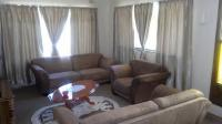 Lounges - 28 square meters of property in Theunissen