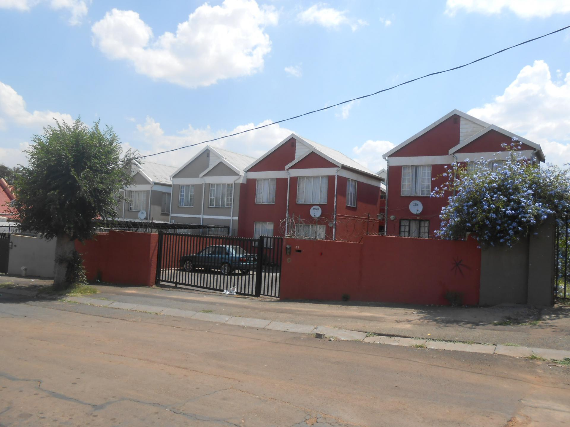 Front View of property in Jeppestown