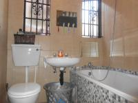 Bathroom 1 - 4 square meters of property in Jeppestown