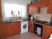 Kitchen - 9 square meters of property in Sonneveld