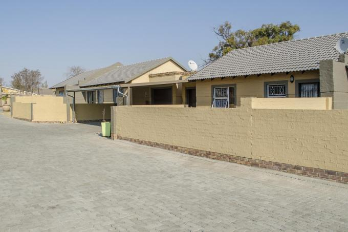 2 Bedroom Sectional Title for Sale For Sale in Meyerton - Home Sell - MR108045