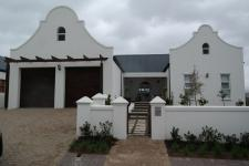 5 Bedroom 4 Bathroom House for Sale for sale in Somerset West