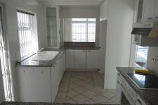 Kitchen - 13 square meters of property in Bloubergstrand