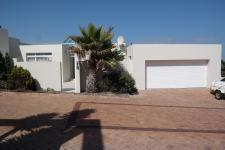 Flat/Apartment for Sale for sale in Bloubergstrand