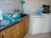 Kitchen - 30 square meters of property in Bloemfontein