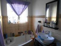 Main Bathroom - 10 square meters of property in Boksburg