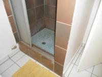 Bathroom 1 - 7 square meters of property in Uitenhage Upper Central