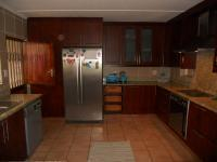 Kitchen - 20 square meters of property in Sunningdale - DBN