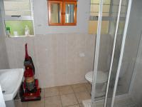 Bathroom 3+ - 3 square meters of property in Sunningdale - DBN