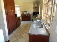 Kitchen - 30 square meters of property in Lombardy East