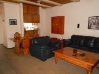 Lounges - 15 square meters of property in Benoni