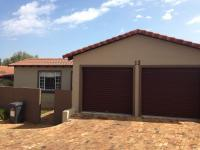 2 Bedroom 2 Bathroom Simplex for Sale for sale in Honeydew Ridge
