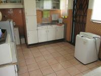 Kitchen - 14 square meters of property in Casseldale