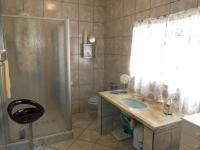 Main Bathroom - 7 square meters of property in Pretoria Gardens