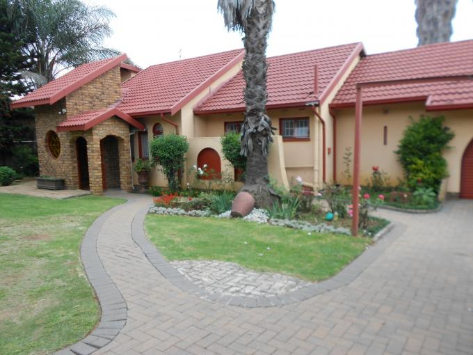 3 Bedroom House for Sale For Sale in Kempton Park - Home Sell - MR108287