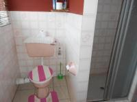 Main Bathroom - 5 square meters of property in Alberton