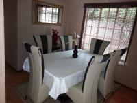 Dining Room - 6 square meters of property in Bloubosrand