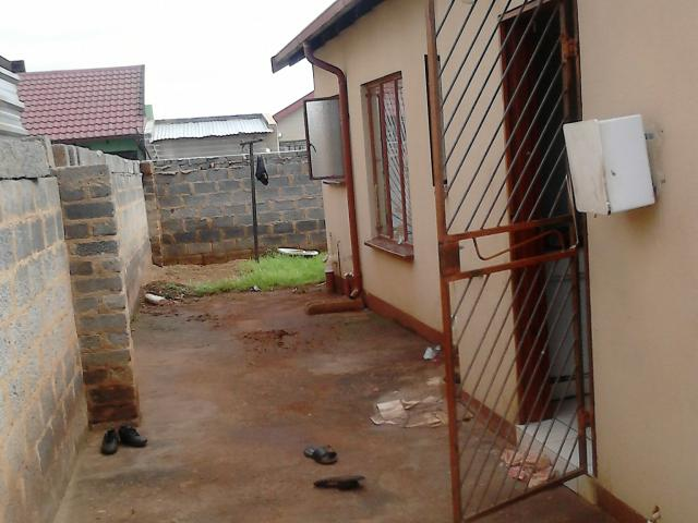 3 Bedroom House For Sale in Vosloorus - Home Sell - MR108338