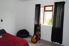 Bed Room 2 - 17 square meters of property in Bredasdorp