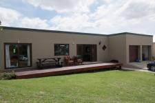 3 Bedroom 1 Bathroom House for Sale for sale in Bredasdorp