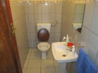 Bathroom 2 - 3 square meters of property in Farmall A.H.