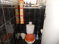 Main Bathroom - 6 square meters of property in Bluff
