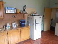 Kitchen - 17 square meters of property in Komati