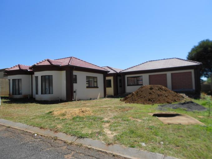 4 Bedroom House For Sale in Vanderbijlpark - Home Sell - MR108566