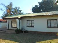 3 Bedroom 1 Bathroom in Booysens