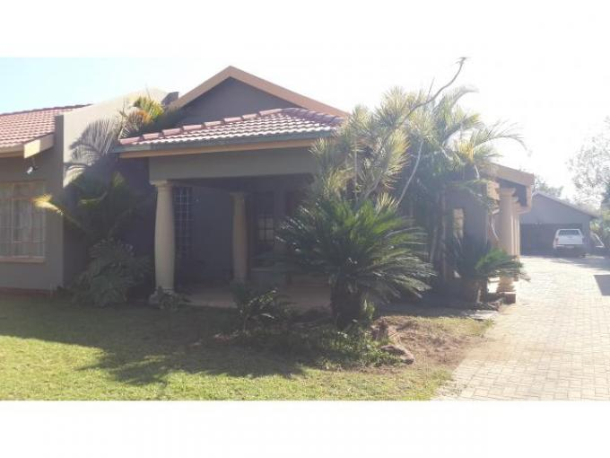 4 Bedroom House for Sale For Sale in Rustenburg - Home Sell - MR108608