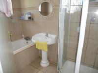 Main Bathroom - 9 square meters of property in Durban Central