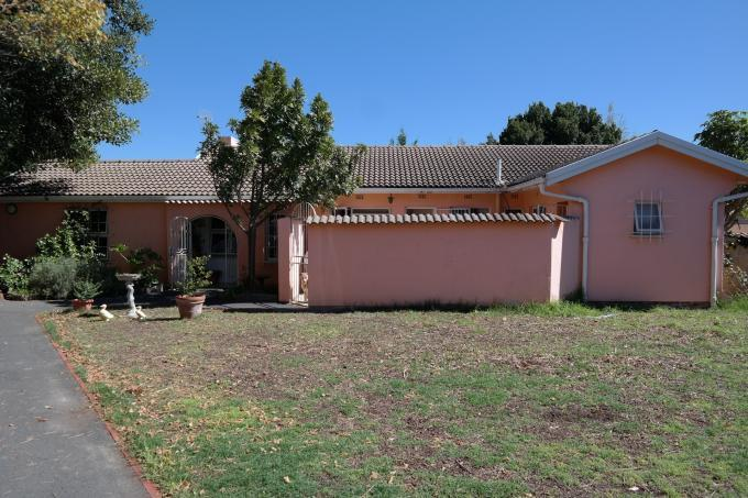 3 Bedroom House for Sale For Sale in Durbanville   - Private Sale - MR108641