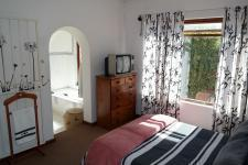 Main Bedroom - 17 square meters of property in Durbanville