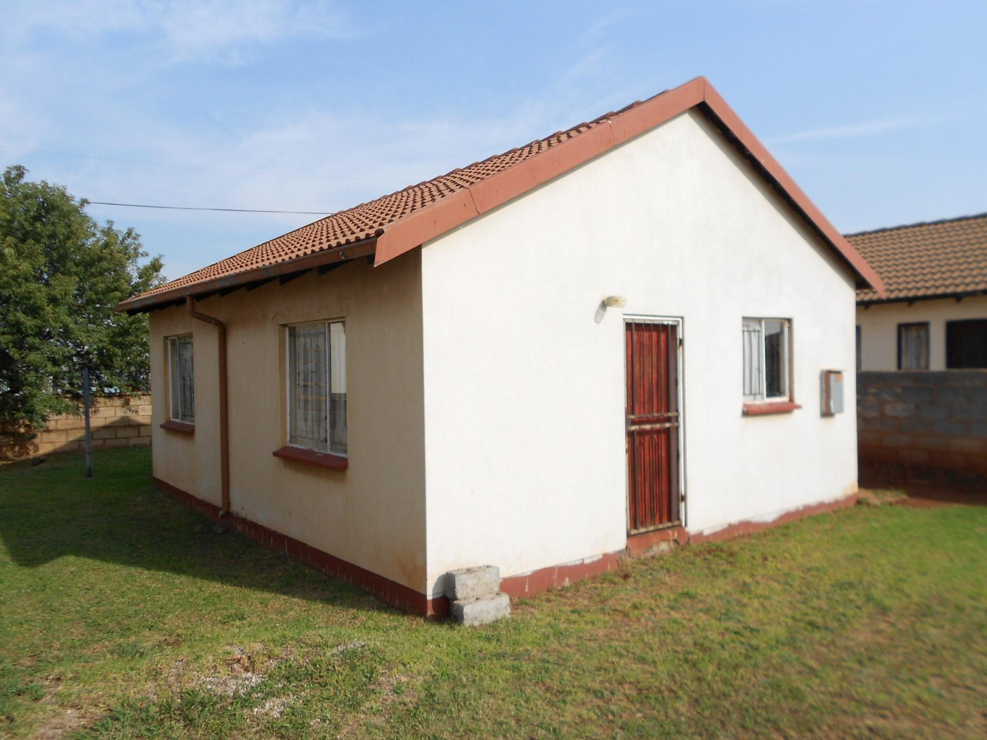 2 bedroom house for sale for sale in thokoza