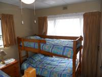 Bed Room 1 - 15 square meters of property in Uvongo