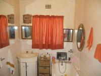 Bathroom 1 - 9 square meters of property in White River