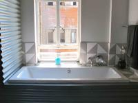 Main Bathroom - 5 square meters of property in Jeppestown